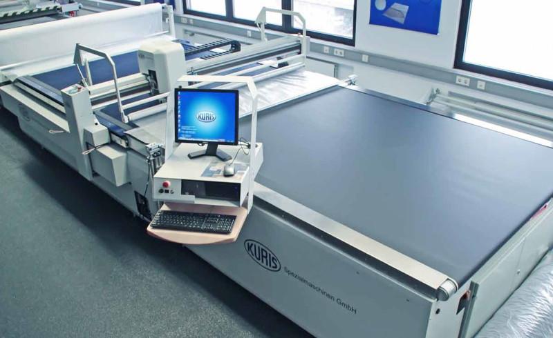 Macchine da taglio innovative e di qualità, ideali per il taglio di tessuti tecnici e speciali.